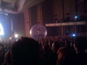 Wayne Coyne Trapped In A Ball