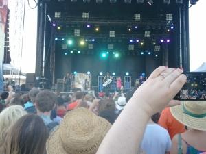 Blondie bringing out the big guns...a keytar